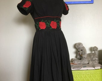 Vintage Womens Black and Red Embriodered Rose Swing Dress Small Rockabilly Madmen Bombshell Vixen