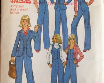 Simplicity 7887 - 1970s Sleeveless Jumpsuit and Notched Collar Jacket - Size 12 Bust 34
