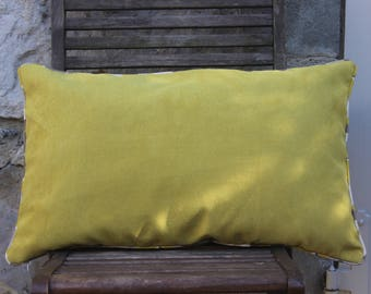 Cushion green lime and taupe square 40 x 60 cm