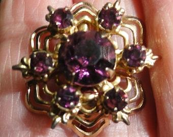 Vintage Jewelry, Purple Jewelry , Vintage Purple Brooch, Purple Pin, Vintage Jewelry, Vintage Purple Brooch