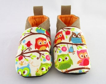 Slipper 6/9 months in suede fabric and beige OWL