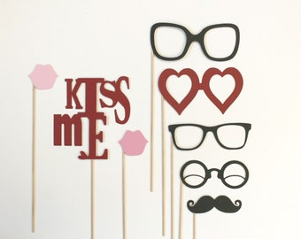 Photo Booth Prop Set  - Birthdays, Weddings, Parties - Kissing Booth Photobooth Props