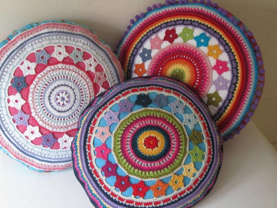 Round Crochet Pillow Cover With Flowers Pdf Pattern From Justdo On