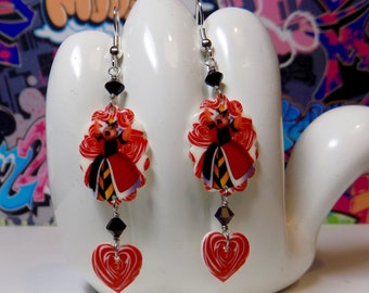 Queen of Hearts Scalloped Dangle Earrings
