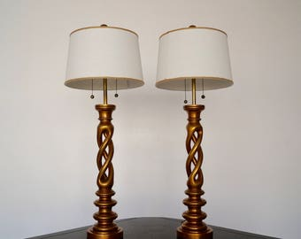 Beautiful Pair of Hollywood Regency Spiral Gold Leafed Table Lamps - Sculptural Lighting In The Manner of James Mont