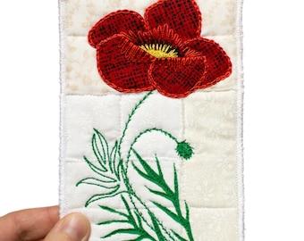 Art textile avec coquelicot en format carte postale - carte postale avec coquelicot