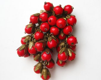 Vintage 40s Miriam Haskell Style Red Glass Bead Cluster Brooch Bar Pin