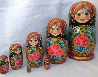 Matryoshka, nesting doll, russian wooden doll, set of 7 pieces