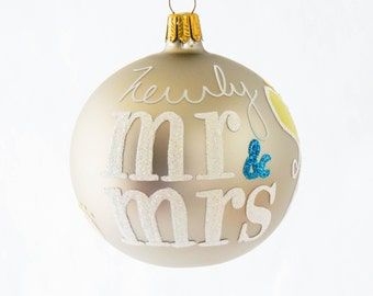Mr & Mrs Ornament Newly Mr and Mrs Paisley Blown Glass Ornament - Personalize Wedding Gift Bride and Groom Bridal, Newlywed Gift, Monogram