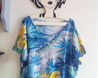 80s beach t-shirt Bora Bora print with palms & flowers / small - medium