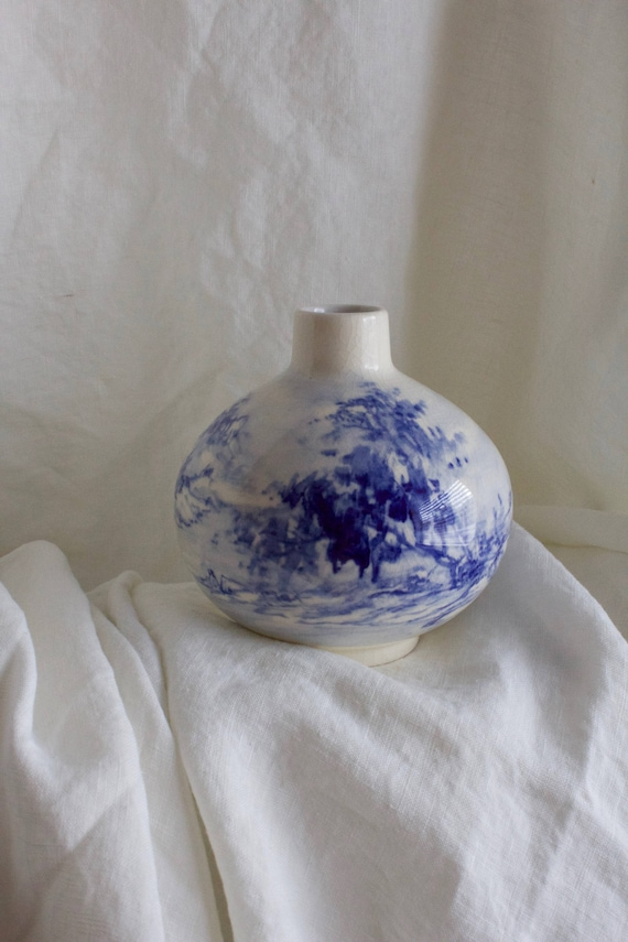 Vintage Classic Blue Painted China Vase