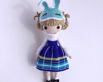 English: Crochet Doll Pattern-Kayla 凯拉. (Little Girl with Rabbit Mask)
