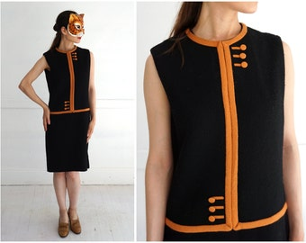 Vintage 1960's Sleeveless Black and Brown Drop-Waist Shift Dress by Sportempos | Small