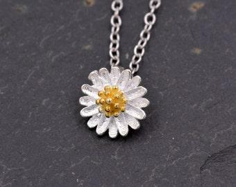 Sterling Silver Tiny Little Daisy Flower Pendant Necklace  z81