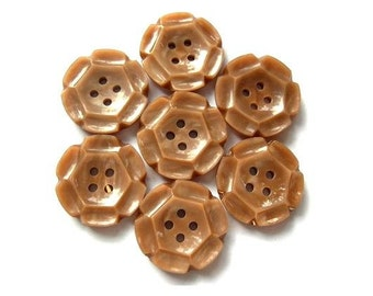 7 Vintage flower buttons plastic can be use for button jewelry, 17mm