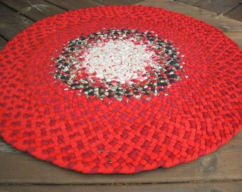 New Ready To Ship Hand Braided Round Christmas Rug / Floor Carpet / Rag Rug for Bathroom, Kitchen , Entry, Kids Room, Nursery, Bedroom