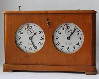 Soviet chess clock, chess timer, wooden chess clock USSR. Soviet Vintage. Vintage chess
