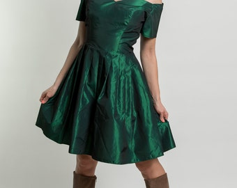 Vintage Satin Emerald Green Off Shoulder Party Dress (Size Medium)