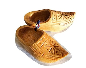 Wood Dutch Shoes, Holland Shoes, Hand Carved Shoe, Vintage Wood Shoe, Holland Wood Shoes, Vintage Shoes, Wood Shoe, Holland Souvenir