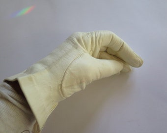 Vintage Ivory Leather gloves//Ladies Leather Gloves