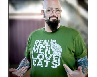 Cat tshirt, men's tshirt, cat lover gift, gift for dad, boyfriend gift, funny tshirt, Real Men Love Cats, cat lover, Jackson Galaxy