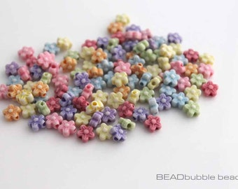 Plastic 6mm Flower Beads Pack of 100 Mixed Colours, Pink Yellow Purple Blue Green Orange Flower Acrylic Beads (ACR029)