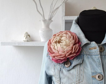 Felted Flower Brooch Pink Peony Jewelry Felt Brooch Boho brooch Pink and White Flower Pin Felted flowers Floral Jewelry Valentine Gift