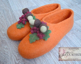 Home shoes made of natural wool for women jazz shoes acorn Tree Pig Redhead