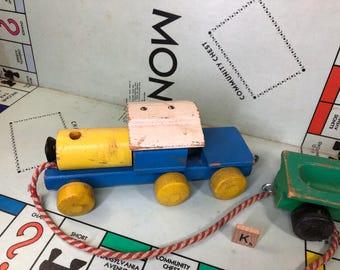 K) Vintage Playskool Train