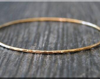 14k Gold Filled Bangle Bracelet, Hammered Gold Bangle, 14k Gold Filled Stacking Bracelet, Gold Minimalist Bracelet, Simple Stacking Bangle