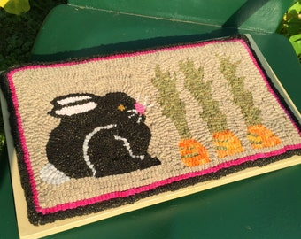 "14 x 7 Linen Hooked Rug Pattern - ""Bunny in the Garden"" -"