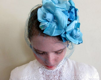 Vintage 1950s Blue Floral Fascinator / 50s Flower Hat Fascinator with Veil Lilly Dache Lilly's Dilly's Shabby Chic