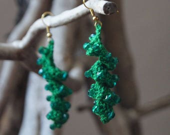 Hook and green beads earrings