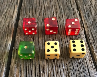 Vintage Dice - 6 Vintage Dice - Untested Bakelite Dice - Board Game Dice - Old Dice - Green Dice - Red Dice - White Dice