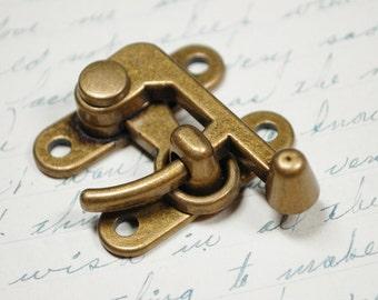 Medium Swing Clasp Antiqued Brass Hardware -  Industrial Steampunk Closure