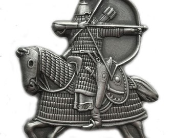 Mongol Warrior on horseback attacking with bow and arrow - Pin/Broach (2 Color options)
