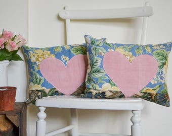 Floral country home cushions | Country cottage style cushions | Two matching scatter cushions | Matching cushions | Pair of scatter cushions