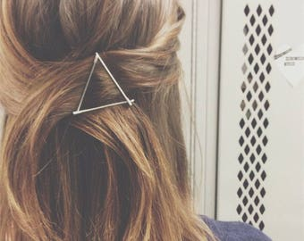 Gold Triangle Hair clip, Minimalist Hair Accessory, Geometric Hair Clip, Hair Barrette, Stylish Hair Clip