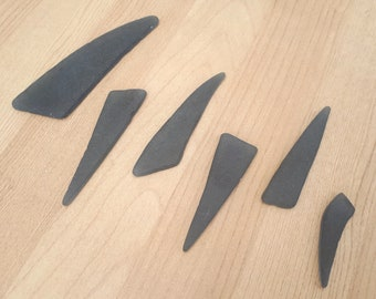 Faux sea glass spikes - Grey tumble glass claws