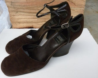 Vintage Womens DKNY Mary Jane Shoes Brown Suede 9 Patent Leather Trim