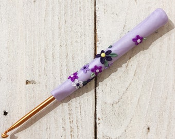 Purple flower ergonomic crochet hook, polymer clay crochet accessories, gift for a crafter, crochet tools
