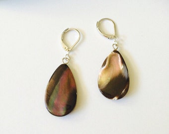 Natural Brown Shell Earrings/Natural White-Grey Shell Earrings.