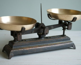 Antique kitchen scales, cast iron and brass scales, 1900 set of scales