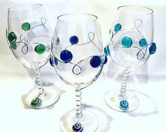 Beaded Plastic Wine Glass, Plastic Wine Glass, Colorful Wine Glass, Wine Charms, Beaded Stemware, Red Wine Glass, Handcrafted Wine Glass