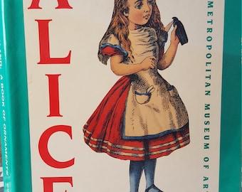 Alice in Wonderland: Book of Ornaments