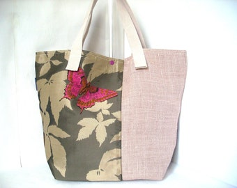 Large bag in linen and embroidery