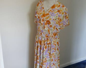 1930's Style Vintage Floral Tea Dress. Perfect For Spring. Classic Elegance.