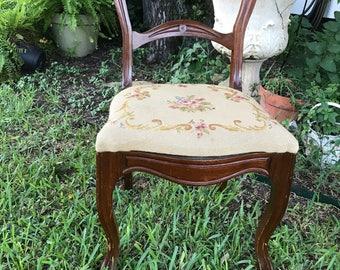 Customizable Victorian Chair