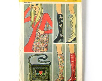 Spats Pattern and Two Shoulder Bags / 1970s Hippie Boho Vintage Sewing Pattern / Simplicity 9553 / Shoulder Bag / Go Go Boots / UNCUT FF