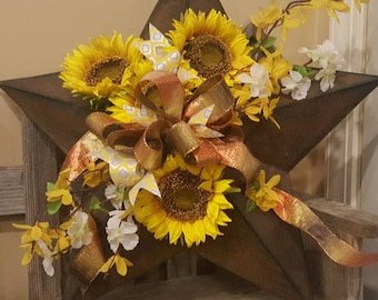 Metal Farmhouse rustic or primitive barn star with sunflowers